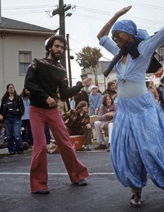 Bell-bottoms (or flares) are a style of trousers that become wider from the knees downward, forming a bell-like shape of the trouser leg. Haight Ashbury, Street Fair, Dance Like No One Is Watching, Lets Dance, Live Love, Summer Of Love, Bell Bottoms, Flower Power, 1970s
