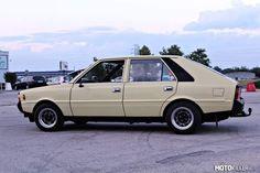 1983 FSO Polonez Classic Cars, Van, Vehicles, Vintage Classic Cars, Car, Vans, Classic Trucks, Vehicle, Vans Outfit