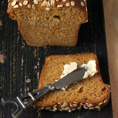 This Pumpkin Wheat bread loaf, makes a great sandwich bread, or use it to make french toasts. Soft, moist and delicious. How to make a Vegan Pumpkin yeast Bread.