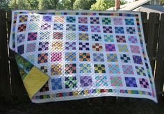 quilt a 9 patch Sewing Projects, Projects To Try, Quilting Designs, Quilting Ideas, Nine Patch Quilt, Fabric Postcards, Quilt Blocks, Patches, Crafty