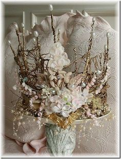 Crown this style is so close to the ancient English crowns, ones that weren't destroyed by Oliver Cromwell. would be a lovely fairy crown Ancient English, Moda Medieval, Fairy Crown, Crown Flower, Floral Crown, Midsummer Nights Dream, Circlet, The Crown, Queen Crown