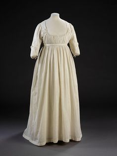 Chemise dress c. late 18th century from the V&A