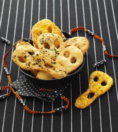 A world of Thermomix® recipes - Cookidoo® brings you delicious food all over the world. With thousands of recipes and ideas, you'll find mouth-watering inspiration every time you log in. Halloween Snacks, Happy Halloween, Tapas, Entrees, Goodies, Yummy Food, Crackers, Mini, Party