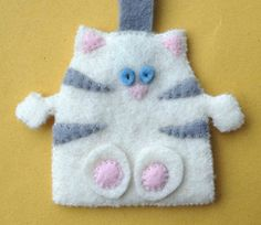 Key Ring Wool Felt Cat Cream by KOOSHKA on Etsy, £8.00 #craftfest
