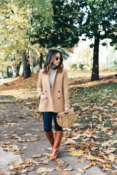 15+ easy Thanksgiving outfit ideas.
