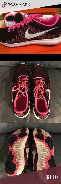Like New Nike Flex Shoes Excellent Condition Nike Flex Shoes, only worn once or twice! Black and Pink. Nike Shoes Sneakers