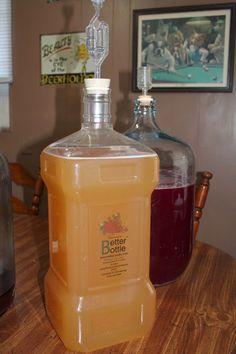 Andy's Easy Homemade Apple Wine Man That Stuff Is Good!: Andy's Easy Homemade Apple Wine Homemade Wine Recipes, Homemade Alcohol, Homemade Liquor, Easy Apple Wine Recipe, Homemade Wine Making, Homemade Cider, Making Beer, Wine And Liquor, Wine And Beer