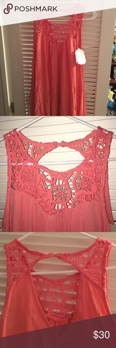 sleeveless pink dress sleeveless pink dress with lace at the top of it, very flowy all the way down. it has a slight open back. it has NEVER BEEN WORN BEFORE Altar'd State Dresses