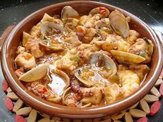 Pulpo con almejas y langostinos Restaurant Recipes, Seafood Recipes, Mexican Food Recipes, Ethnic Recipes, Spanish Kitchen, Spanish Dishes, Pescatarian Recipes, Kitchen Dishes, Octopus