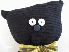 Nice upcycle idea: soft toys (cats, dogs, bears) made from upcycled jumpers and shirts