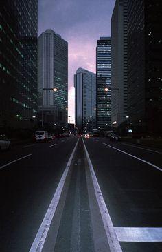 https://flic.kr/p/bqLxuY | shinjuku | 雨が降るちょっと前です。sinjuku, Japan. Contax Tvs