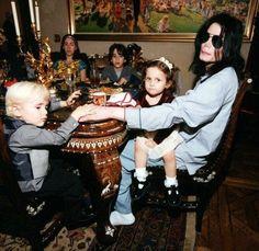 Michael Jackson and his kids.