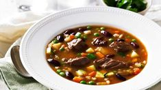 This nourishing soup of beef, tender pearl barley and vegetables is bound to become a family favourite. Easy Soup Recipes, Cooking Recipes, Spicy Pumpkin Soup, Recipe Minestrone, Healing Soup, Fruit Soup, Lemon Soup, Beef Barley, Slow Cooker Soup