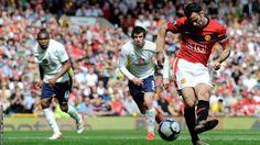 Ryan Giggs scores against Tottenham Hotspur during 2009-10 season.