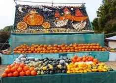 2013 Slindon Pumpkin Festival display - Cinderella leaving the ball in her pumpkin carriage