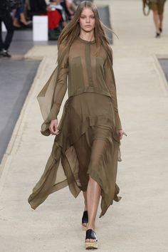 Sheer layers by Chloé | Spring 2014 Ready-to-Wear Collection | Style.com