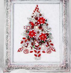 KEEPSAKE VTG FRAMED RHINESTONE JEWELRY CHRISTMAS TREE RED POINSETTIA