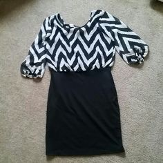 1 piece dress SZ:M -Black and white chevron style on top, and pure black on bottom. On the back has a cute bow Moa Moa Dresses