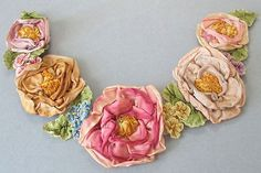 """AWESOME Antique c1920s Handmade French SILK Ribbonwork ROSE Garland Applique 15"""""""