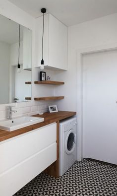 Very neat bathroom layout with the washing machine. Washing machine is exposed but neatly tucked away Laundry Bathroom Combo, Laundry Room Design, Bathroom Design Small, Bathroom Layout, Narrow Bathroom, Bathroom Interior Design, Master Bathroom, Upstairs Bathrooms, Laundry Rooms