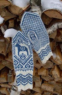 Blue & White Hand-knitted Mittens for Winter . Knitted Mittens Pattern, Knitting Socks, Mitten Gloves, Knitting Patterns, Arne And Carlos, Horse Pattern, Fair Isle Knitting, Winter Wonder, Winter