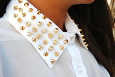 Studded collier