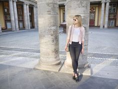 pink bomber jacket, slippers, skinny jeans, ray ban sunnies, outfit, style, look, fashion blog