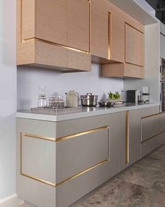 6 Inspired Tips AND Tricks: Copper Kitchen Decor Modern kitchen decor shelves toilets.Kitchen Decor Black Worktop kitchen decor diy home. Kitchen Interior, Home Decor Kitchen, Kitchen Furniture, Interior, Home Decor Trends, Kitchen Decor, House Interior, Home Kitchens, Kitchen Design