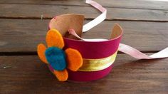 Toilet paper bracelet.... hmm, refashion as a play wristwatch for little boys