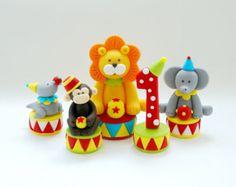Fondant circus cake topper. Circus birthday cake topper. Fondant animals. Fondant circus animals cake topper