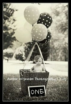 Aston's one year pictures. 1st birthday pictures. 12 month picture session. Baby girl :) #amberwisemanphotography