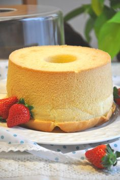 Cookpad Japan: Heavenly Chiffon Cake (with lots of tips) Sweets Cake, Cupcake Cakes, Cupcakes, Food Cakes, Lemon Chiffon Cake, Orange Chiffon Cake, Just Desserts, Dessert Recipes, Yummy Treats