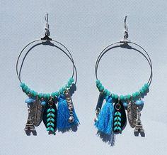 Pampille, perles à facettes, bleu, turquoise, pompons, breloque Tour Eiffel, chaîne émaillée, Anneaux, Créoles