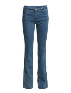 DAY - 2ND Flare Duo 2ND Flare Duo is one of the season's chicest pair of jeans! Super shape with a fashionable flare-cut. A slim-tight fit that flares. Complete the look with a feminine top and a pair of stilettos.  Logo detail Belt loops Classic 5 pocket styling Flared Stretch fit Cool Classic Stilettos, Bell Bottom Jeans, Indigo, Flare, Tights, Feminine, Pairs, Slim, Belt