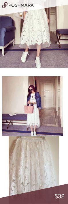 "🎉2x HP 🎉 Flower lace midi skirt Cotton & lace flower midi skirt with elastic waist (23.6"" - 39""), skirt length 27"". Skirts Midi"