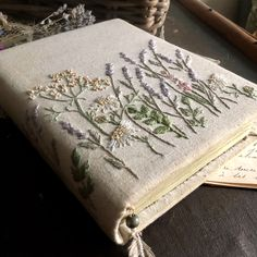 Diy And Crafts, Arts And Crafts, Magic Crafts, Book Aesthetic, Handmade Books, Book Binding, Embroidery Art, Machine Embroidery Projects, Embroidery Designs