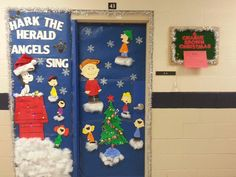 charlie brown christmas classroom door charliebrown harktheherald christmasdoor christmas classroom door christmas