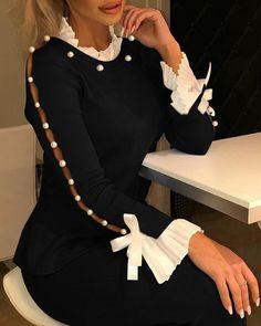 Trend Fashion, Estilo Fashion, Fashion Outfits, Womens Fashion, Fashion Blouses, Sleeves Designs For Dresses, Blouse Styles, Pattern Fashion, Sleeve Styles