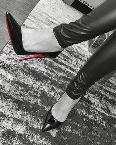 Colored Pointe Shoes, Louboutin High Heels, Ballet Shoes, Dance Shoes, Boots, Instagram, Black, Fashion, Ballet Flats