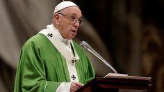 El papa Francisco reza por los tripulantes del submarino argentino desaparecido
