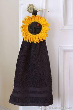 Украшение для кухни: вязаный держатель для полотенца
