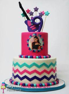 Ariana Grande Cake #forabigfan #fondantcake #arianagrandecake #birthdaycake #girlbirthdaycake Ariana Grande Birthday, Ariana Grande Fans, Birthday Cake Girls, 7th Birthday, Themed Cakes, Yum Yum, Cake Decorating, Cream, Party