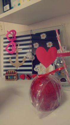 Decoração; Maçã do amor; Amor.