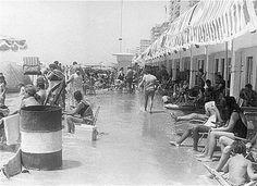 Que tiempos aquellos, cuandos las fuertes mareas llegaban hasta las casetas y te resfrecabas los pies sin moverte.