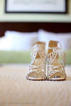 H & J Wedding - Running Hare Vineyard, MD | ©Liz Cuadrado Photography