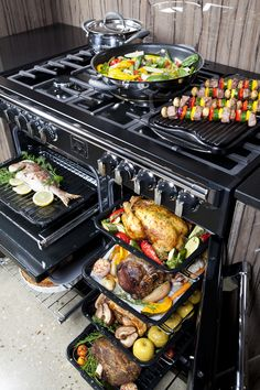 The MASSIVE capacity of the Belling multi-cavity electric oven is enough to cook for an army! Different foods can go in at different times and temperatures, finally kitchen appliances that allow the multitasker in you to reach full potential!