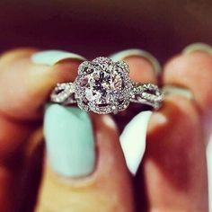 2016 Trends: Twisted Engagement Rings & Wedding Rings - Deer Pearl Flowers / http://www.deerpearlflowers.com/twisted-engagement-rings-wedding-rings/
