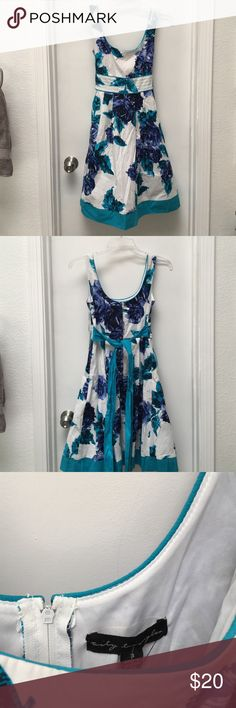 NWT flower print dress size 3 New with tags flower print dress size 3. This dress has pockets.😍 City Triangles Dresses
