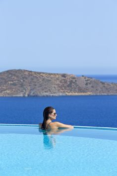29 best view on the luxury greece images beautiful villas greece rh pinterest com