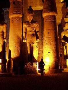 Luxor - giant pillars